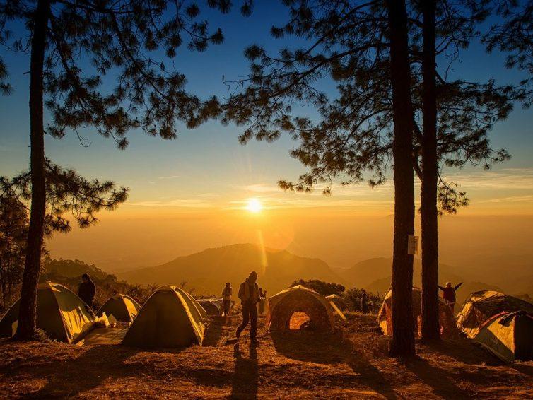 Colonie de vacances ado : des séjours de vacances adaptés à chacun