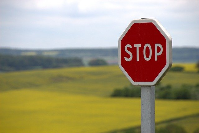 Panneau signalisation : pour régir la voie publique